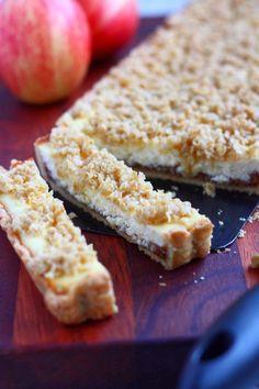 Omenapiirakka rahkatäytteellä ja kauramurulla - Suklaapossu