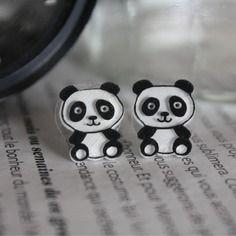 Les pandas en plastique fou