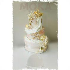 Wedding Cakes, Perfume Bottles, Beauty, Wedding Gown Cakes, Cake Wedding, Perfume Bottle, Wedding Cake, Beauty Illustration, Wedding Pies