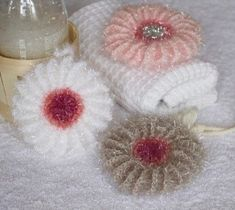 Knitting Patterns Funny Flushing sponges NO: 6 are now going to exfoliate / shower flowers Free Crochet, Knit Crochet, Knitting Patterns, Crochet Patterns, Crochet Doilies, Craft Fairs, Crochet Projects, Diy And Crafts, Bubbles