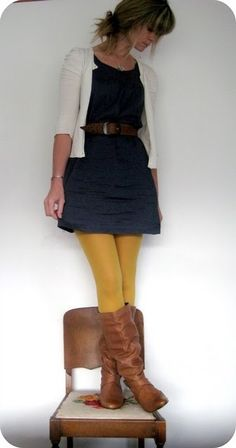 Nice use of colorful tights: [mustard tights, navy dress, cognac boots, fall outfit]. Not in love w the white cardigan would go purple Yellow Tights, Colored Tights, Funky Tights, Black Tights, Yellow Boots, Opaque Tights, Fashion Mode, Look Fashion, Womens Fashion