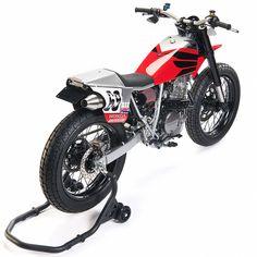 Nicky Hayden tribute: A Honda flat tracker by Analog Motorcycles Womens Motorcycle Helmets, Tracker Motorcycle, Motorcycle Girls, Honda Xl, Ktm 690 Enduro, Nicky Hayden, Flat Track Racing, Flat Tracker, Classic Harley Davidson