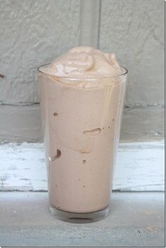 #Protein #Shake that tastes like Wendys Frosty! 3/4 cup almond milk, 15 ice cubes, 1 scoop vanilla protein powder, 1-2 TB unsweetened cocoa powder, 1/4 of a frozen banana