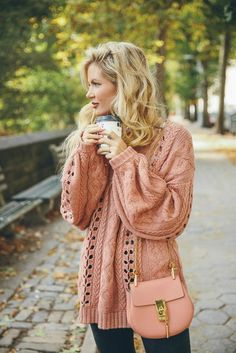 Knitting Patterns Sweter Apricot is perfect for blond women Fashion Blogger Style, Look Fashion, Fashion Outfits, Womens Fashion, Fashion Bloggers, Fall Fashion, Fashion Tips, Fall Winter Outfits, Autumn Winter Fashion