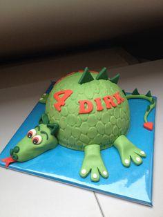 Cake dragon sugar past. Taart draak fondant