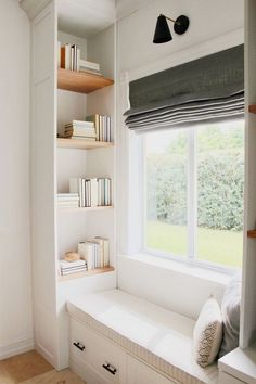 window seat reading nook with built-in bookshelves // project palmetto bay eclec. - window seat reading nook with built-in bookshelves // project palmetto bay eclectic La mejor imagen - Residential Interior Design, Best Interior Design, Modern Interior, Interior Ideas, Interior Design Sitting Room, Scandinavian Interior, Interior Lighting Design, Room Interior, Interior Inspiration