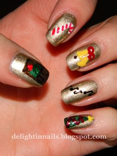 Delight in Nails: 10 Day Holiday Nail Art Challenge: Day 5 - Holiday Song