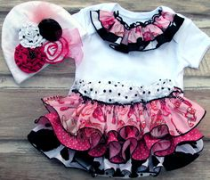 Rodeo CowGirl Ruffle Bloomer - Ruffle Diaper Cover SET, Country Western Baby SETS, Texas Ruffle Bloomers, Holiday Girl Diaper Covers 5708 NL. $62.00, via Etsy.
