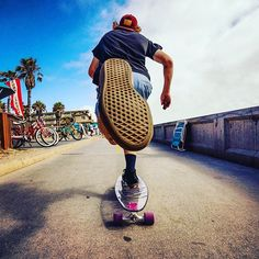 An electric skateboard is a personal transporter based on a skateboard.Electric skateboard are not considered as vehicles and do not require any registration or licensing.Here some best skateboard go check them out. Skateboard Photos, Skate Photos, Skateboard Art, Skateboard Tumblr, Skateboard Furniture, Skateboard Backpack, Surfboard Art, Creative Photography, Photography Poses