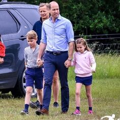 Duke William, Prince William Family, Prince William And Catherine, Prince Charlotte, Royal Monarchy, Royal Family Pictures, Kate Middleton Outfits, English Royal Family, Prince George Alexander Louis