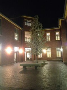 Humber College - Lakeshore Campus - F Building Courtyard