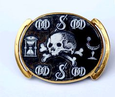c.1640, this classic piece of Memento Mori jewellery now resides in the Albert & Victoria Museum.