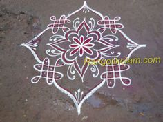 This is fussion kolam with out dot this kolam has done with small flower and small sikku kolam with kaavi Simple Rangoli Designs Images, Rangoli Designs Flower, Rangoli Kolam Designs, Kolam Rangoli, Beautiful Rangoli Designs, Mehandi Designs, Small Rangoli, Muggulu Design, Small Flowers