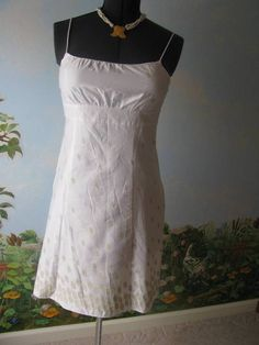 ANN TAYLOR LOFT White CottonDress Embellished with Gold Embroidery Size 10P  #AnnTaylorLOFT #Cocktaildress #Casual