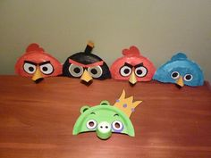 Angry Birds masks made out of paper plates and colored paper. Add a tee shirt and you are good to go! Paper Plate Masks, Paper Plate Crafts, Paper Plates, Preschool Crafts, Crafts For Kids, Bird Masks, Colored Paper, Angry Birds, Bird Feathers