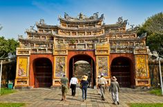 Hue City Sightseeing Tour with Perfume River Cruise Take in the best of Hue's art, architecture, culture and food on a full-day sightseeing tour of the city and its surroundings, including a Perfume River (Huong River) cruise! Try local ingredients at Dong Ba Market and go on a walking tour through the walled Hue Imperial City (Hue Citadel), a UNESCO World Heritage Site. Stop at a local nunnery for lunch and visit Bao Quoc Pagoda before a relaxing cruise down the majesti...