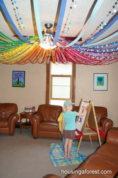 12 Festive Ways To Decorate With Streamers Streamers Decorating