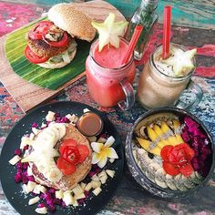 Thank you for the MOST incredible vegan feed ✨ it is safe to say that those pancakes were the best meal I've had in Bali so far… And that is saying a LOT 🙏🏼 Anyone in Bali or. Food Porn, Brunch, Fast Food, Food Goals, Nutrition, Aesthetic Food, Smoothie Bowl, Smoothies, Best Breakfast