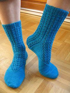 jamm eitt sokkapar enn :)  free pattern  cute socks!