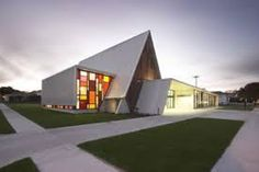 Completed in 2006 in Waiuku, New Zealand Images by Simon Devitt The project involved the refurbishment and extension of an existing 'Aframe' Church The church space has been reorganised to increase - architecture Plans Architecture, Sacred Architecture, Church Architecture, Religious Architecture, Concept Architecture, Architecture Design, Architecture Religieuse, Modern Church, Church Design