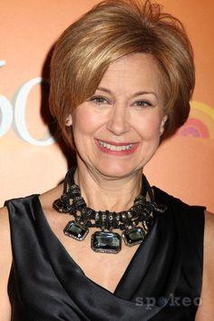Jane Pauley - great statement necklace