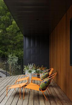 Together with Nick Dine, Chris also designed the concrete planters, pillows, and powder-coated steel lounge chairs on the front deck; all are part of the Modern by Dwell Magazine home collection for Target. Predominantly native, fire-resistant plantings dot the property, which sits in a wildland urban inter-face (WUI) zone.