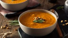 This carrot ginger chicken soup is not only easy on your digestion but it is very hearty and balanced that will keep you full and warm on these cold nights. Ginger Chicken Soup, Curry, Carrot And Ginger, Carrots, Healthy Recipes, Meals, Ethnic Recipes, Food, Soups