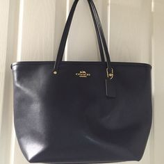 Coach purse Beautiful dark navy Auth coach purse/tote with the grosgrain leather Coach Bags