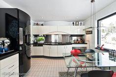 Modern kitchen / Moderni keittiö
