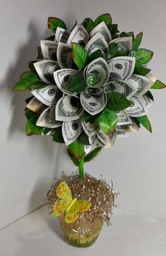 Money tree Money Lei, Money Origami, Money Cards, Money Flowers, Paper Flowers, Money Creation, Money Bouquet, Flower Boquet, Creative Money Gifts