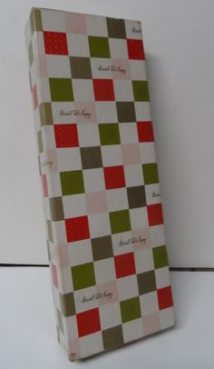 Vintage DEPT STORE Christmas Gift Box - MARSHALL FIELD CHICAGO - CHECKERBOARD