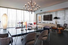 Hi-Rise Condo by Ted Maines Interiors | HomeAdore