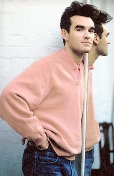 Morrissey, lead singer of The Smiths Music Icon, My Music, Will Smith, Os Smiths, Pretty People, Beautiful People, Beautiful Men, The Smiths Morrissey, Moz Morrissey