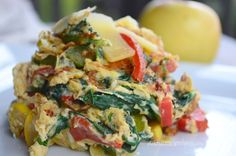 scrambled eggs with spinach and peppers  #breakfast #scrmabledeggs #omlette #cooking #food