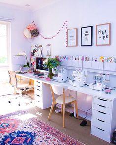 """FROU-FROU on Instagram: """"Espace couture / de travail. On adore l'espace toute en longueur. Bon dimanche ! 💕 / Déco par @megannielsenpatterns"""""""