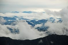 Misty mountains by Breen's Photos, via Flickr Chinese Mountains, Mount Everest, Gallery, Nature, Photos, Travel, Pictures, Viajes, Naturaleza