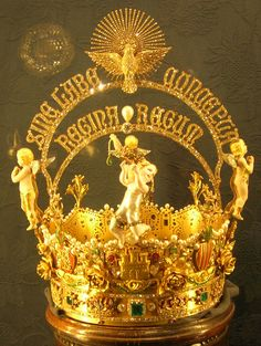 Regina crown, Madrid. The detail in this crown is unique. I love it.