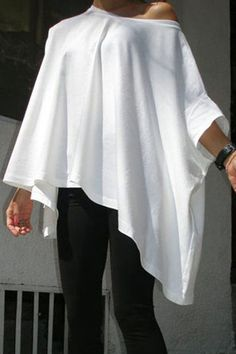 One Shoulder Loose T-shirt with 3/4 Length Sleeves