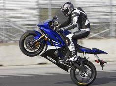 Yamaha R6 Motorcycle Wheely