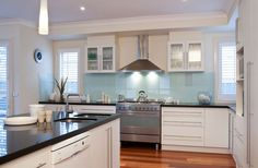 I want this kitchen! Google Image Result for http://www.dulux.com.au/media/646598/dulux6097.jpg