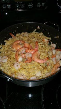 Seafood Linguini With White Wine Sauce Recipe - Genius Kitchensparklesparkle
