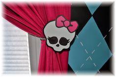 Cake Momma: The Monster High Bedroom!