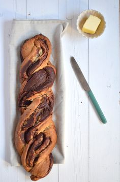 Brioche is super tasty by itself, but this chocolate brioche is absolutely crazy. It is just a chore, but then you also have something. Chocolate Sweets, Chocolate Recipes, Fresh Bread, Sweet Bread, Baking Recipes, Cake Recipes, Pizza Recipes, Bread Recipes, Croissants