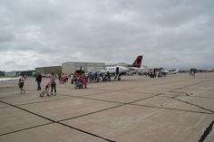 I find that a King Air is always a reason to draw a crowd #teamtextron