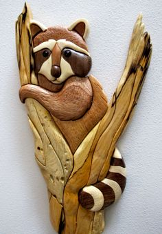 Intarsia Raccoon in Tree by jdintarsia on Etsy Woodworking Furniture Plans, Woodworking Projects That Sell, Woodworking Patterns, Woodworking Crafts, Woodworking Shop, Woodworking Skills, Intarsia Wood Patterns, Wood Carving Patterns, Bois Intarsia
