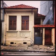 Beautiful old house at Rio Bonito Street, district of Pari  Sao Paulo - Brazil