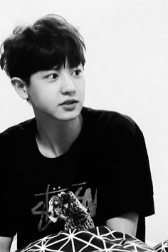 """#Exo - #Chanyeol """"Chanyeolie looks SOOO cute in bed."""" <I bet he'd also be really hot in bed #doublepun"""