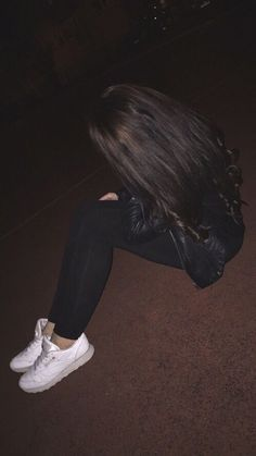 This picture wasn't by me credit goes to the person/website♡ Teenage Girl Photography, Tumblr Photography, Girl Photography Poses, Cute Girl Photo, Girl Photo Poses, Cool Girl Pictures, Girl Photos, Toddler Girl Pictures, Girl Hiding Face