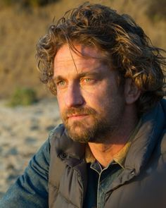 Gerry's Russian fans put together a wonderful collection of stills from Chasing Mavericks - now available on BlueRay DVD