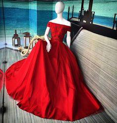 Princess dress !!! Red red #alfreda #marcadesejo #luxo #alfredaoficial #magiadasflores  @emporiohd